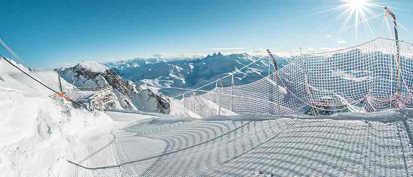 France_alpe_dhuez_ski_tracks.jpg